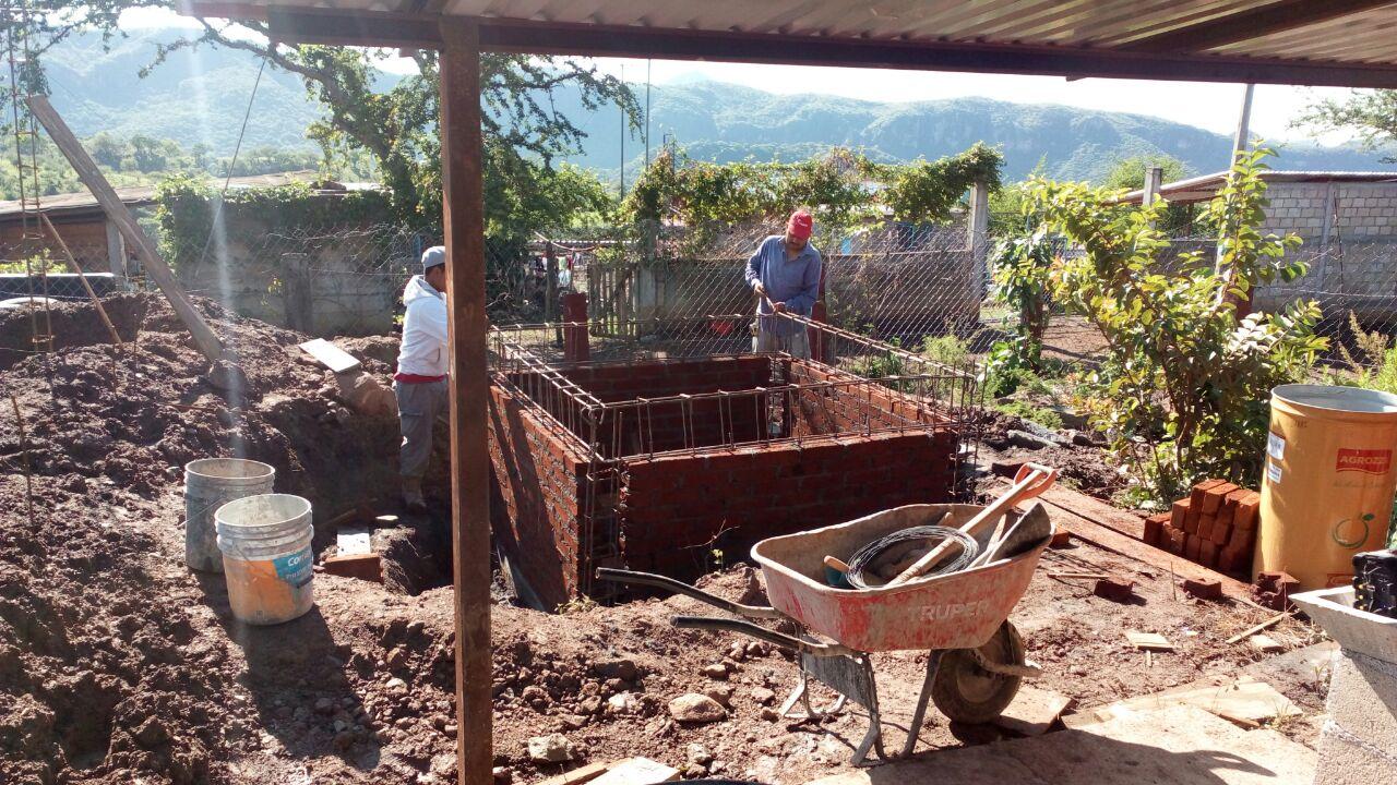 CONSTRUCCIÓN DE BAÑOS EN PASO DE MORELOS