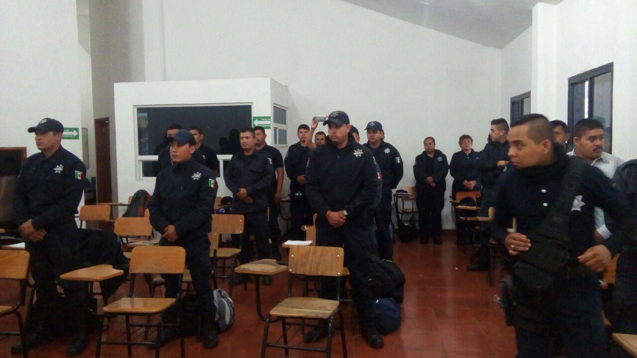 POLICÍAS RECIBEN CURSO DE FORMACIÓN Y ACTUALIZACIÓN
