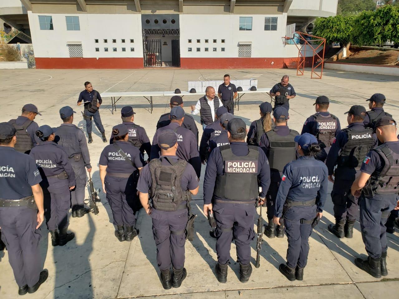 ENTREGA DE EQUIPO TÁCTICO PARA LA POLICIA DE TACÁMBARO