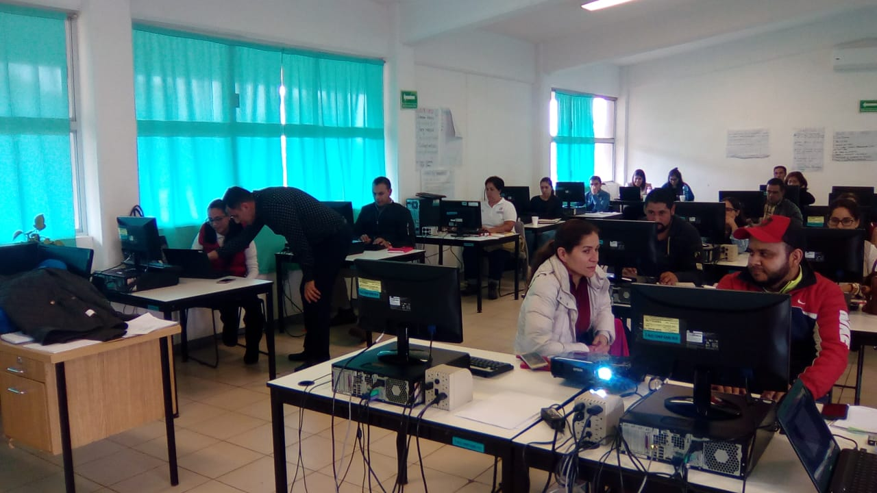 SE BRINDA TALLER DE MARKETING POR REDES SOCIALES