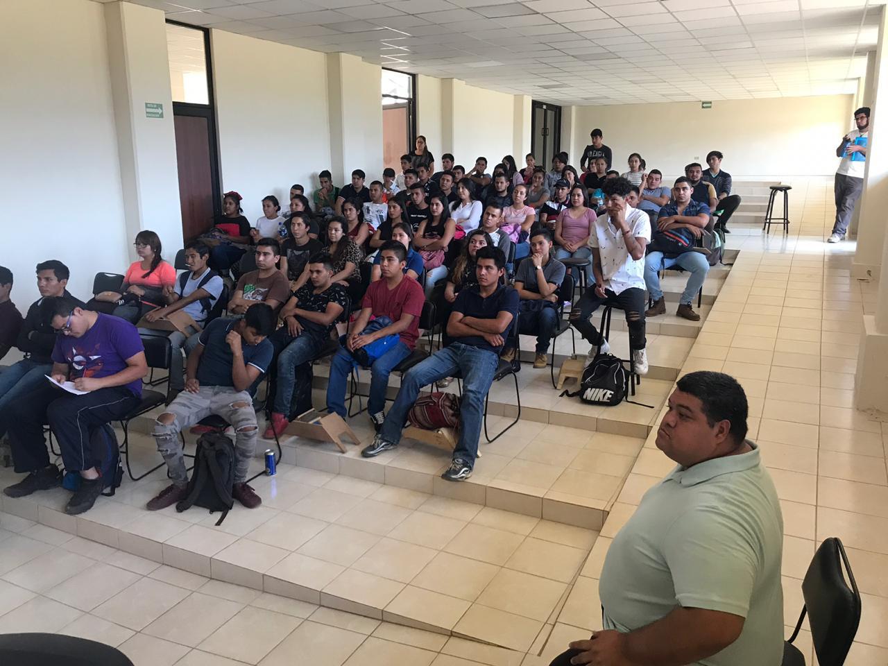 """INSTITUTO DE LA MUJER DICTA CONFERENCIA """"VIOLENCIA EN EL NOVIAZGO"""" ANTE ESTUDIANTES DEL ITST."""