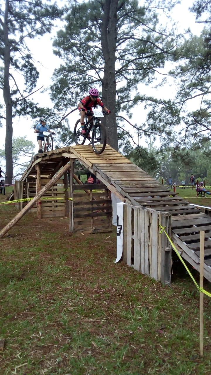 Con respaldo del Cabildo, se realiza la 8va Fecha Estatal de Ciclismo de Montaña.