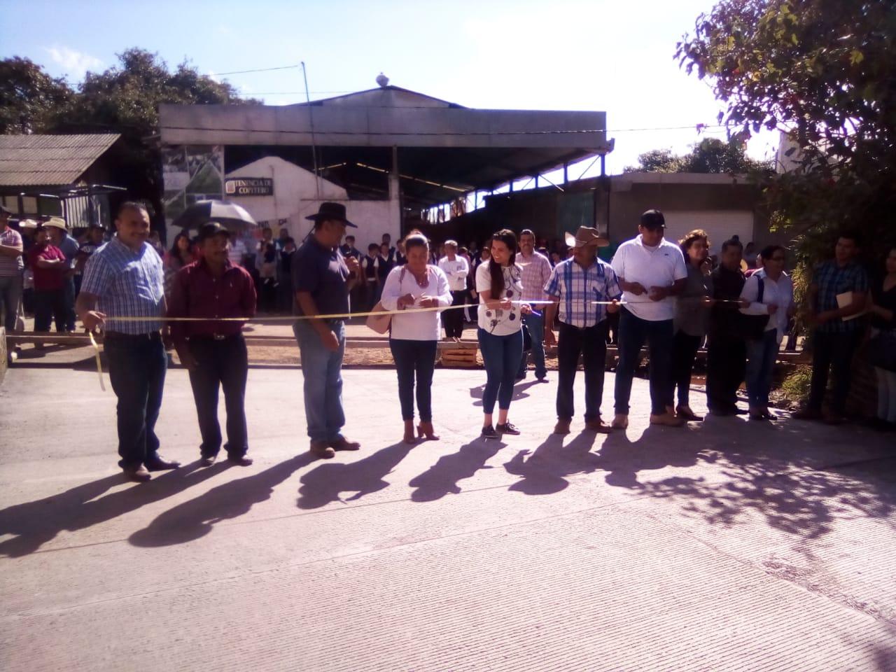 SALVADOR BARRERA MEDRANO ENTREGA OBRAS DE IMPACTO SOCIAL EN COPÍTERO.
