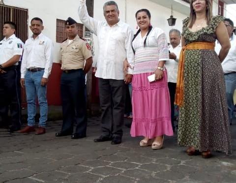 Llama Chava Barrera a construir una sociedad más justa y responsable.