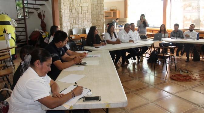 En inauguración de techumbre, reconocen compromiso, interés y voluntad de Chava Barrera.