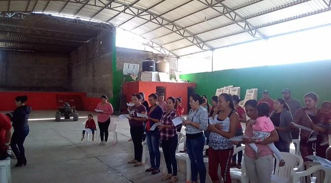 """En Paso de Morelos, DIF Tacámbaro concluye """"Escuela para Padres""""."""
