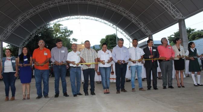 Administración Municipal, es de compromiso social, afirma Chava Barrera.