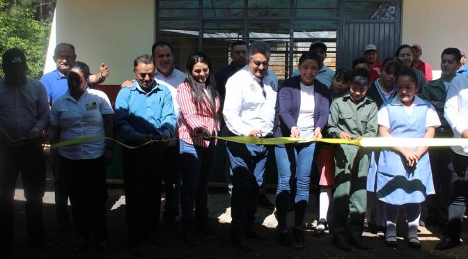 Con aula, cambian condiciones de estudiantes de Secundaria Comunitaria de Joya de Charapio.