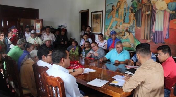 Ayuntamiento atiende a integrantes del Movimiento Antorchista.