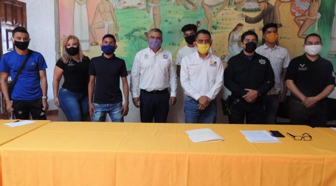 """<h2><span style=""""color: #ffcc00;"""">  Con el respaldo del Ayuntamiento, futbolistas tacambarenses jugarán en Tercera División Profesional.</span></h2>"""