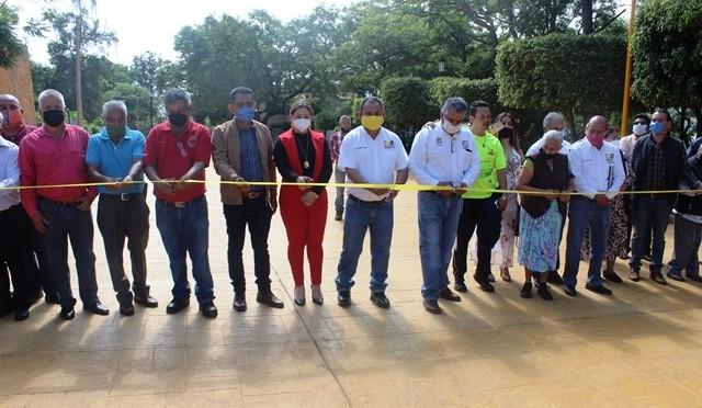 """<h2><span style=""""color: #ffcc00;"""">Calle Circunvalación, primera en el municipio pavimentada con concreto estampado, es inaugurada por Chava Barrera. </span></h2>"""