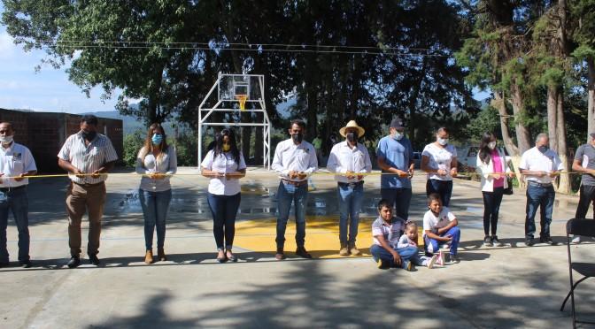 """<h2><span style=""""color: #ffcc00;"""">Luego de más de 50 años en el rezago, Ayuntamiento reconstruye cancha de usos múltiples en Santa Rita Segunda. </span></h2>"""