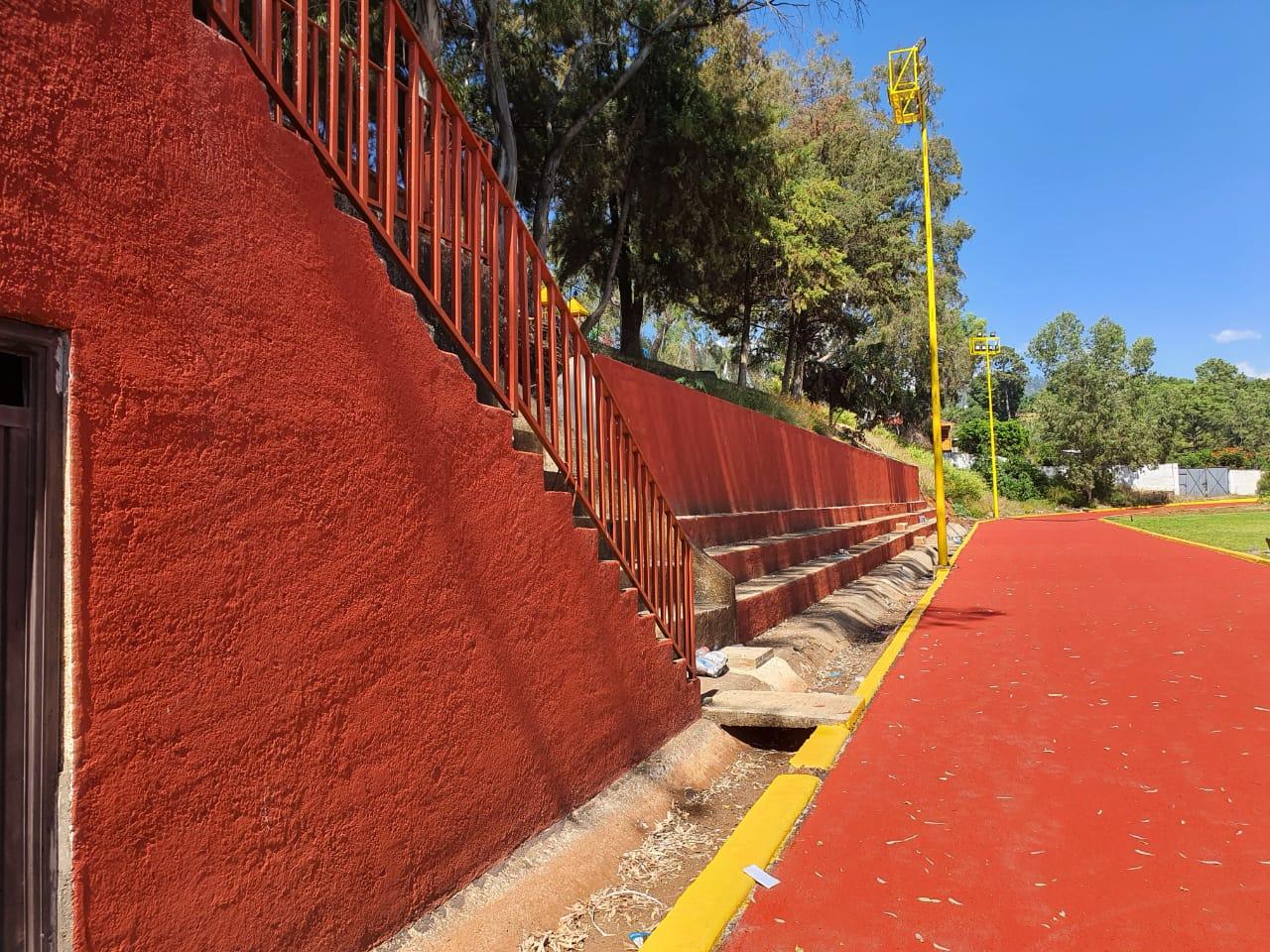 """<h2><span style=""""color: #ffcc00;"""">Casi concluida la rehabilitación de la Unidad Deportiva La Carolina de Tacámbaro.</span></h2>"""